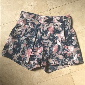 H & M floral shorts